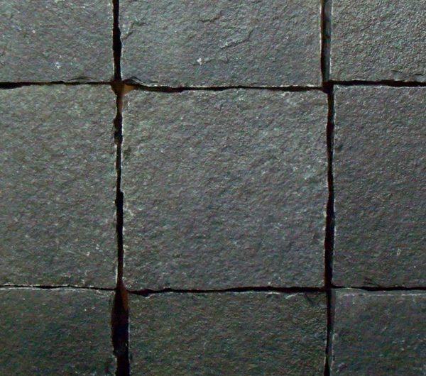 black-limestone-setts