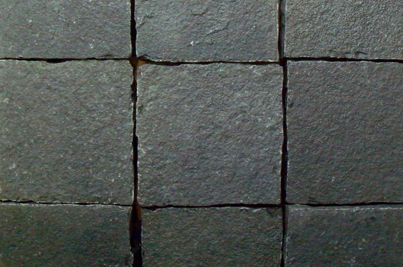 black-limestone-setts