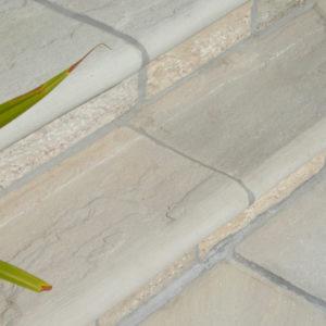 bullnosed-steps-garden-stone