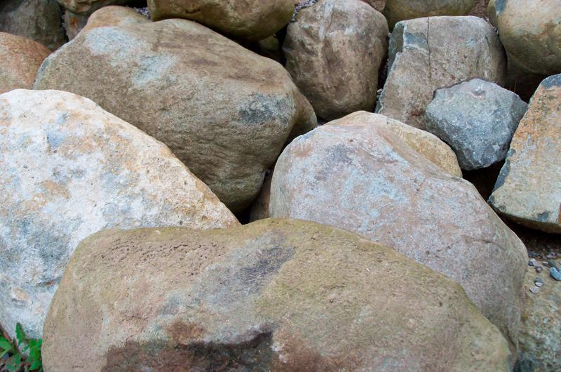 lomond-boulders